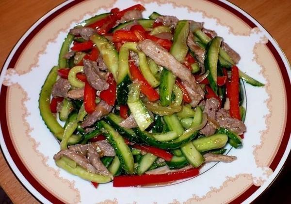 Замечательные вкусные салатики. 3 обалденных рецепта