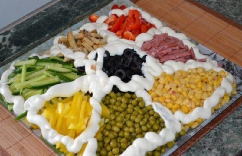 Праздничный салат секторами. 7 отличных рецептов
