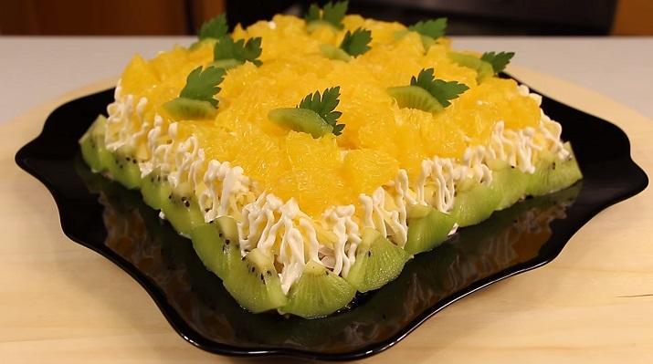 Нежный и потрясающе вкусный салат «Дипломат». В центре любого застолья
