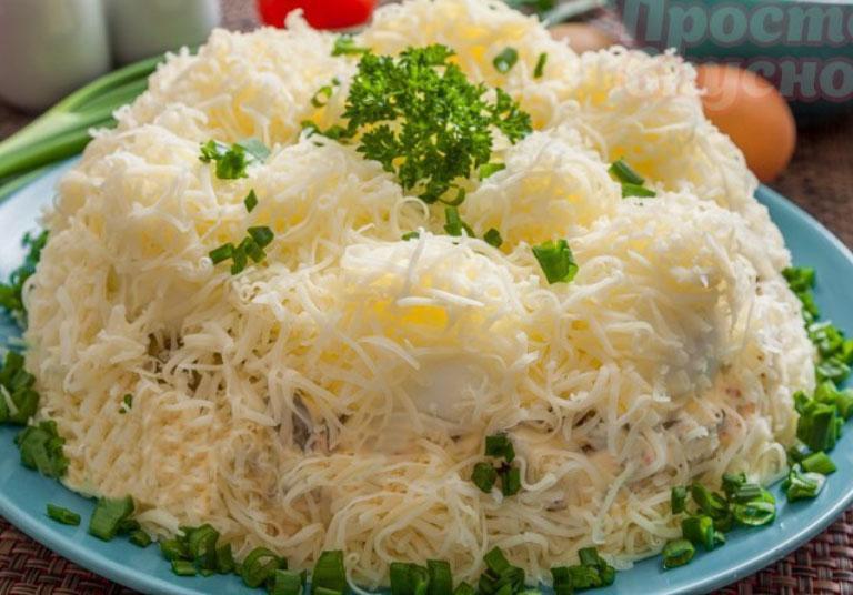 Новогодний салат «Сугроб»