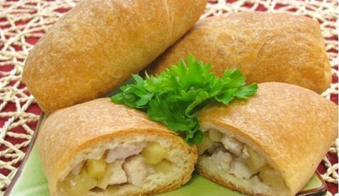 Вкусные и хрустящие пирожки с куриным мясом