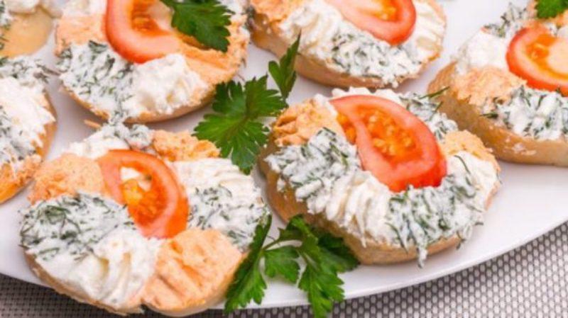 Красивые бутерброды на праздничный стол. Три вкусных рецепта