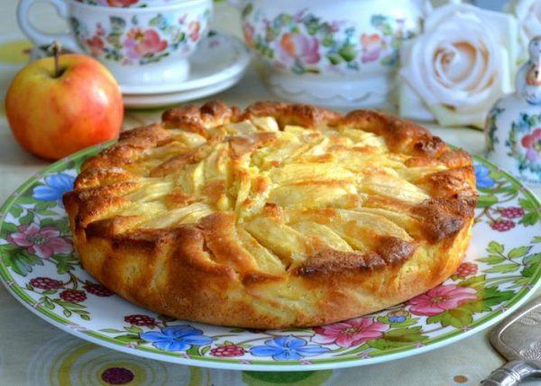 Для любителей выпечки с яблоками. Итальянский деревенский пирог