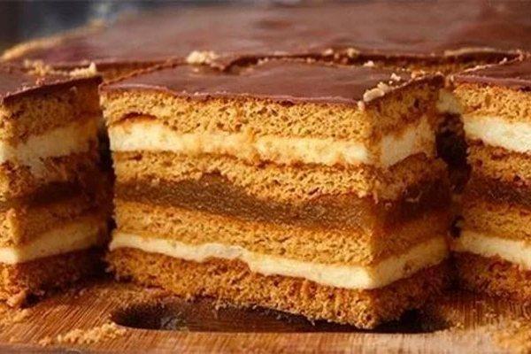 Медовое пирожное с начинкой. Очень вкусная выпечка
