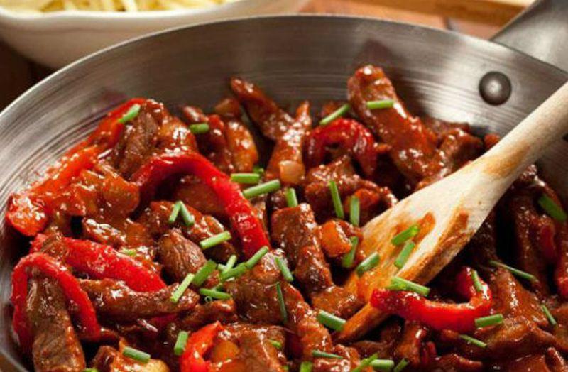 Невозможно не влюбиться в такую вкуснятину: Мясо по-тайски