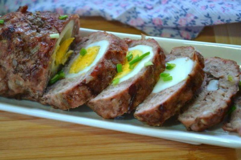 Мясной рулет с яйцом в духовке. Отменное блюдо
