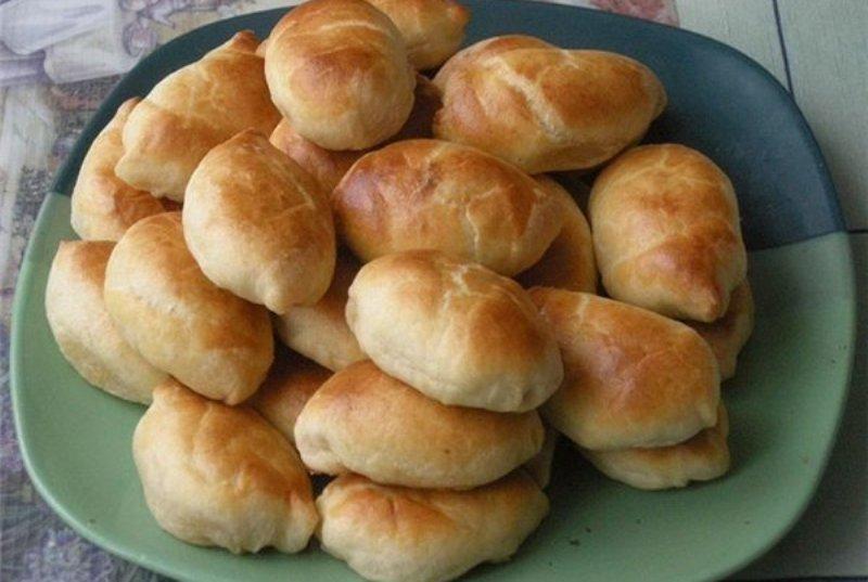 Вкусные пирожки с капустой. мало теста, много начинки