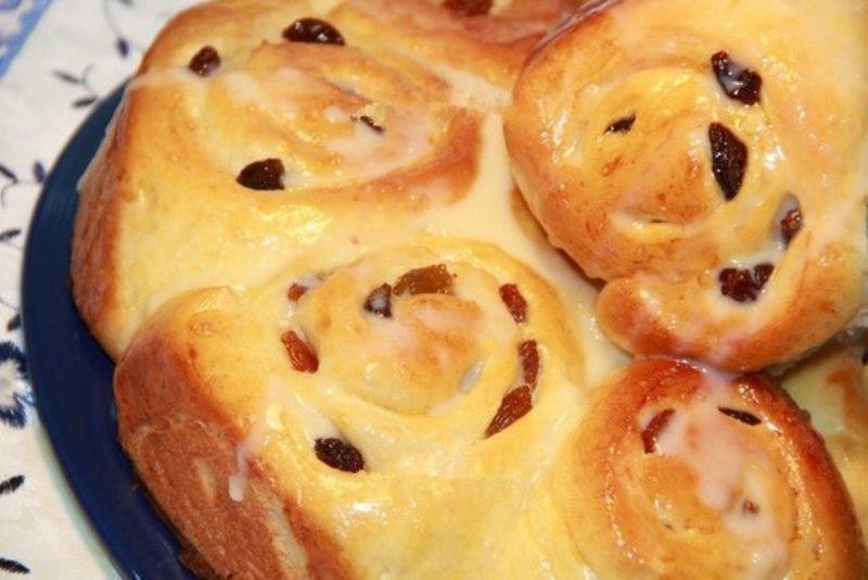 Вкусные булочки с нежным и сладким кремом «Патисьер»