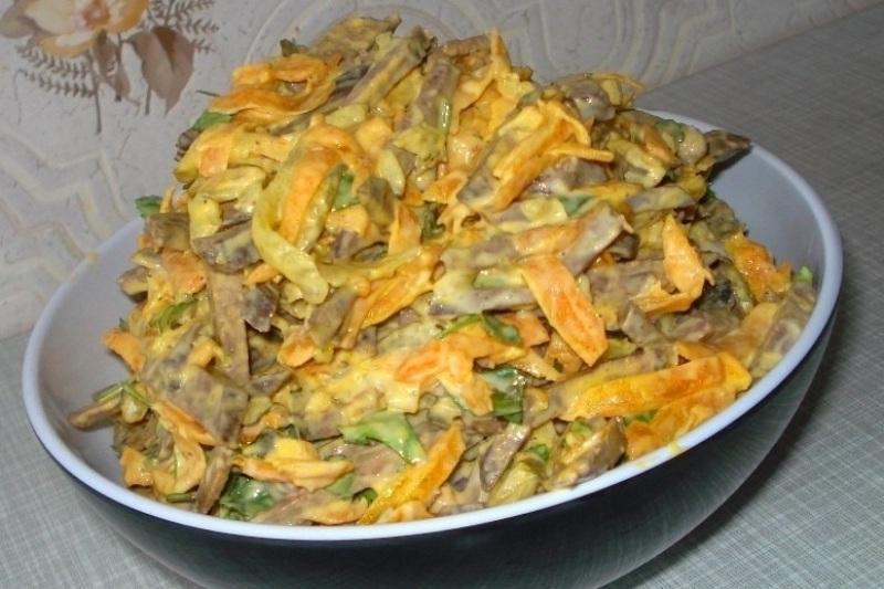 Печёночный салат. Питательный и очень вкусный