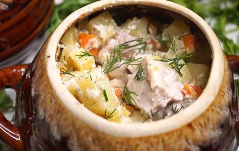 Блюдо в горшочке без возни. Рецепт с видео