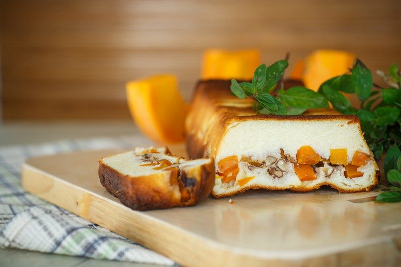 cottage-cheese-casserole-with-slices-of-pumpkin-and-nuts