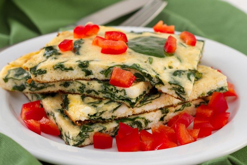 omelet-with-spinach-and-red-pepper